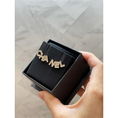 Chanel 閃石Chanel 字母耳環  AB4766 B04174 B8949