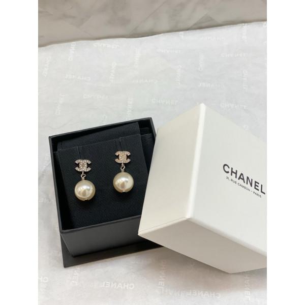 Chanel 細雙C吊珍珠耳環 銀/白色